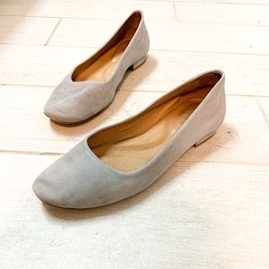 Antonio Melani Suede Flats! Light Gray